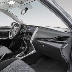 Toyota Yaris Sedán Interior